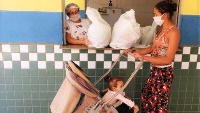 Photo of Em C. Mourão, kits de alimentos são distribuídos para famílias de alunos da Rede Municipal