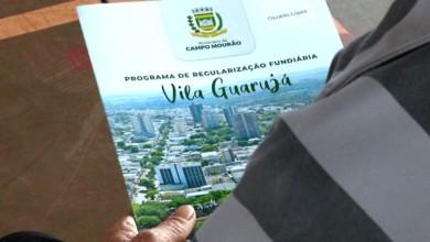 Photo of Prefeitura entregou escrituras definitivas para moradores da Vila Guarujá; vídeo