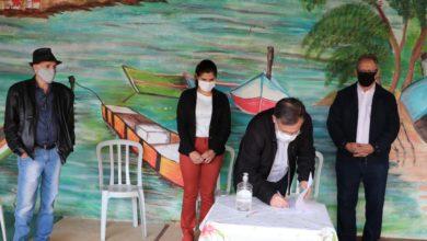 Photo of Prefeitura entrega recursos  para entidades mourãoenses enfrentarem crise do Covid-19; fotos