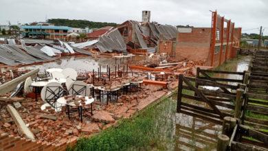 Photo of Sobe para 10 o número de mortos no Sul do país após passagem de 'ciclone bomba'; fotos