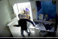 Photo of Vídeo mostra jovens espancando porteiro que pediu para eles diminuírem volume de som