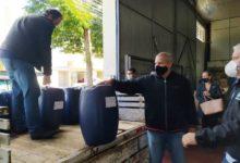 Photo of Rotary's doam 1,2 mil litros de álcool gel para a Secretaria da Saúde de C. Mourão