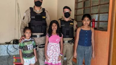 Photo of PMs ajudam menina que ligou pro 190 pedindo cesta básica de presente