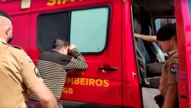 Foto de Vídeo emocionante: Criança é salva por PM após cair em piscina; assista