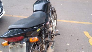 Foto de Em Araruna, jovem preso com moto furtada em Campo Mourão