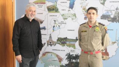 Foto de Douglas Fabrício recebe reivindicações do Corpo de Bombeiros